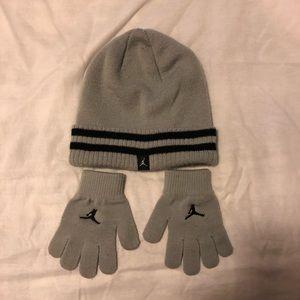 Michael Jordan Gray Yth hat and gloomed set